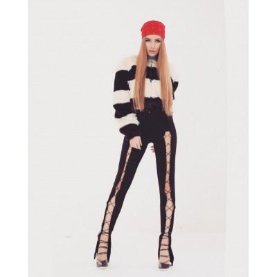 Pantaloni sexy, decupati